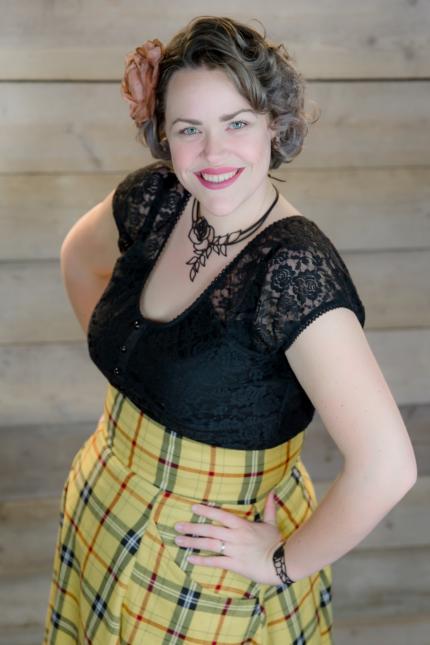 Lisette R
